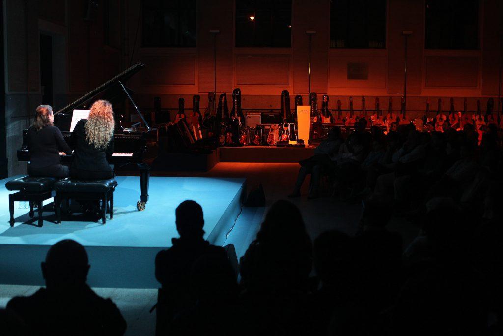 LCE. Festival Clásica x Conteporáneos. II Edición. Concierto 6ª Sinfonia de Mahler. Piano a 4 manos. Cristina Lucio-Villegas y Laura Sanchez. Patio.