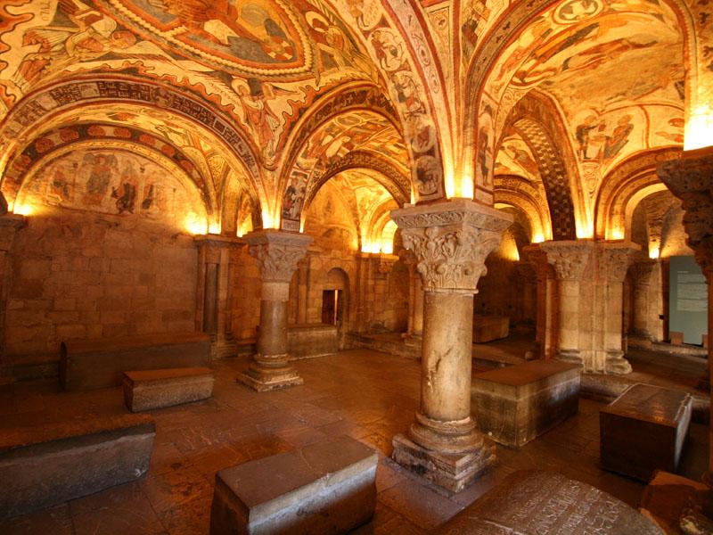 Interior de la cripta de la Colegiata de San isidoro de León